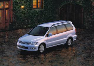 Mitsubishi_Space_Wagon